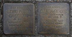 <a id='anker9' href='https://www.versteckte-geschichte-markkleeberg.de/quellenverzeichnis#erinnerungs-und-gedenkkultur8' target='_new'>Abb. 2: Stolpersteine für Olla und <br /> Ludwig Bamberger</a>